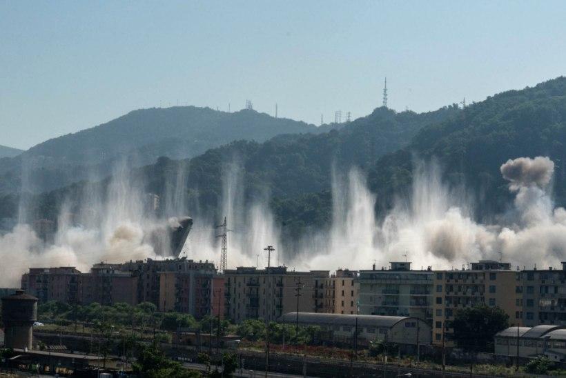 SUUR VAATEMÄNG: Genovas õhiti mullu kokku varisenud silla rusud