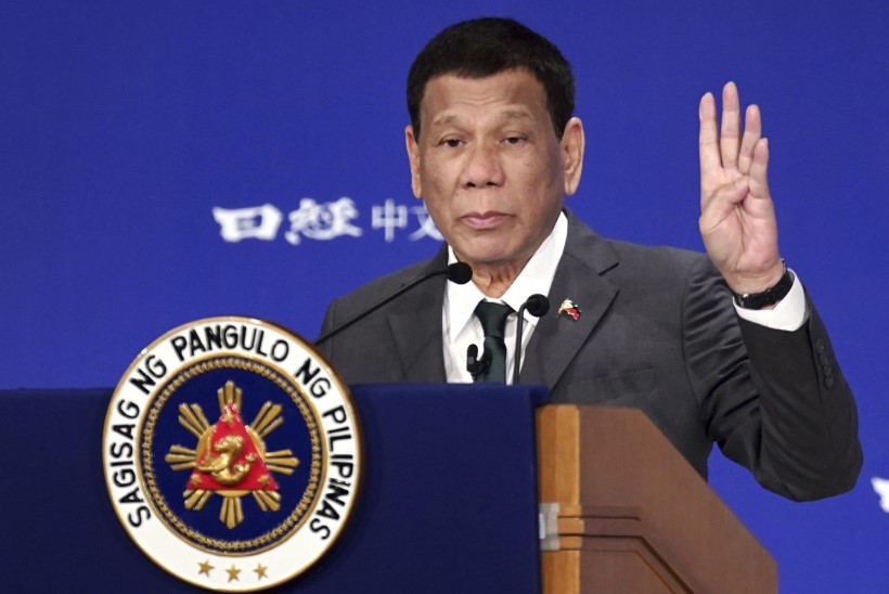 Filipiinide president: ma olin veidi gei, ent kaunid naised ravisid mind terveks