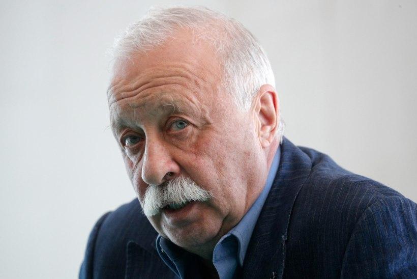 Леонид Якубович возмутил общественность ездой на автомобиле по тротуару