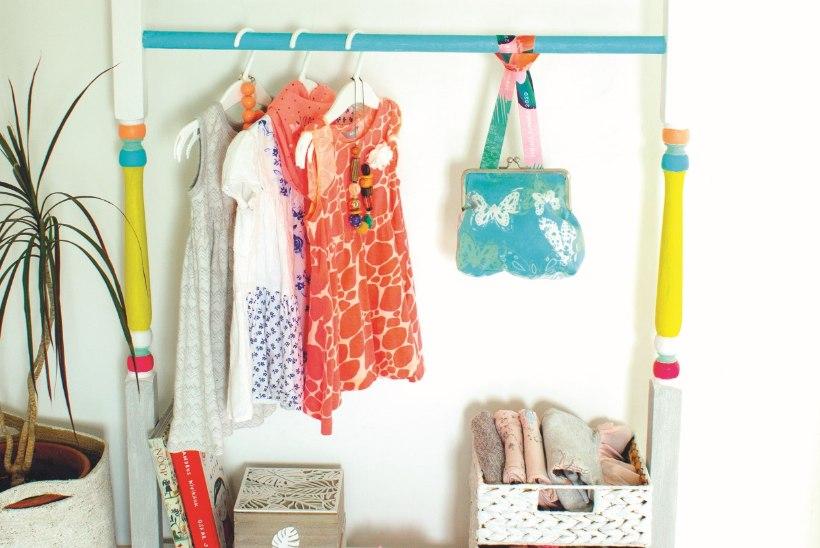 Minigarderoob lastetuppa: efektne ja asjalik riidestange