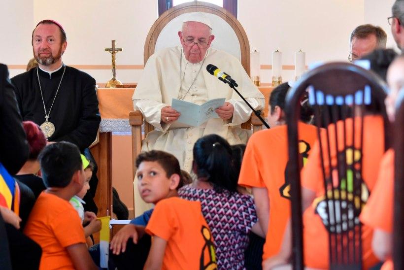 Папа римский попросил прощения у цыган за дискриминацию