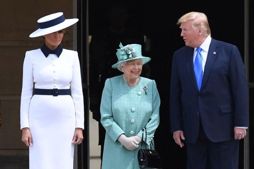 Трамп прилетел в Лондон и встретился с королевой