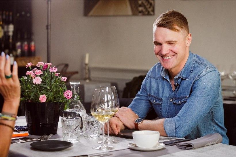 VIDEO | Ott Lepland näitab, kuidas avada šampanjapudelit sabraažmeetodil. Palume kodus seda mitte järele teha!