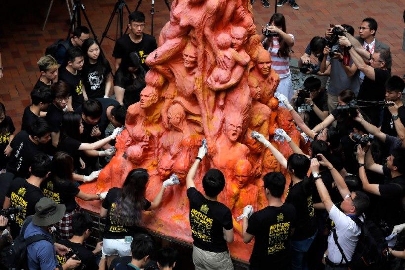30 AASTAT HILJEM: maailm mälestab Tiananmeni veresauna ohvreid