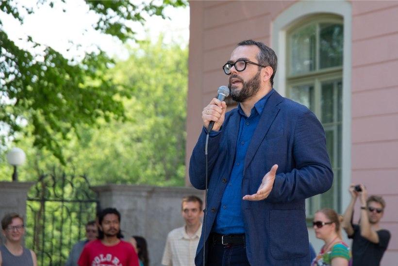 GALERII | Toompeal protestiti teaduse eest: ei saa oma riigi alustuge katki saagida