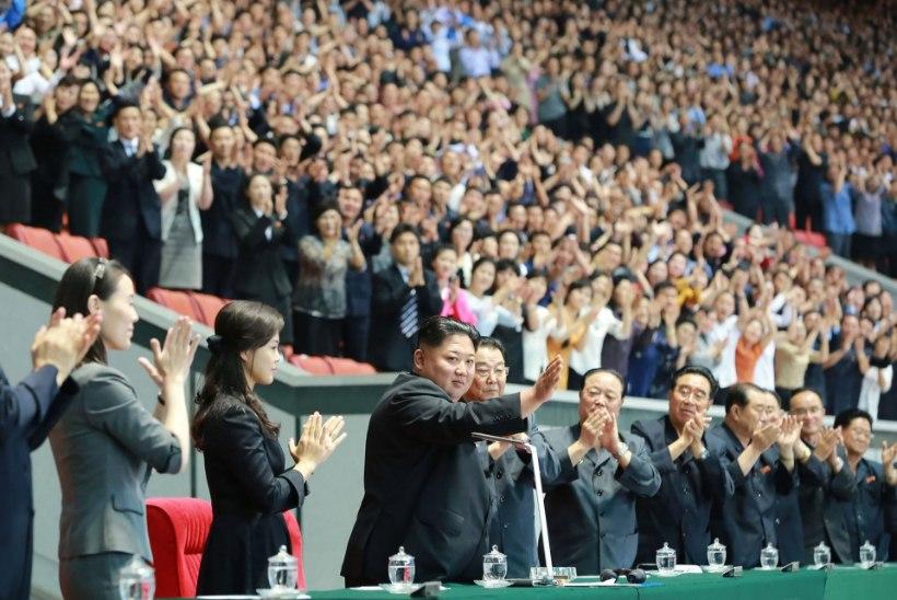 """""""Vales vaimus üritus!"""" Miks ei meeldinud Kim Jong-unile tema auks korraldatud suuretendus?"""