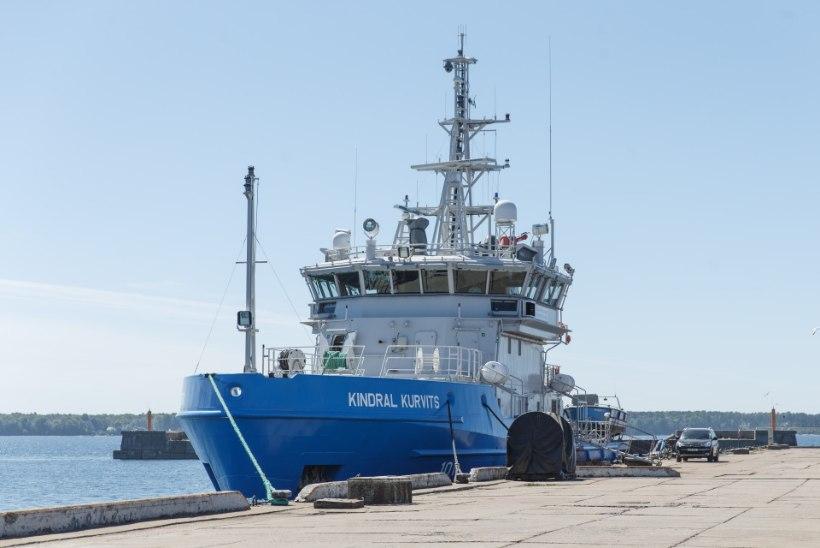 Õppus: kalalaev uputab Soome lahel lõbusõidualuse