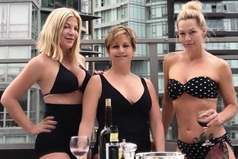 """""""Beverly Hills, 90210"""" näitlejannad said bikiinifoto eest tänitada"""