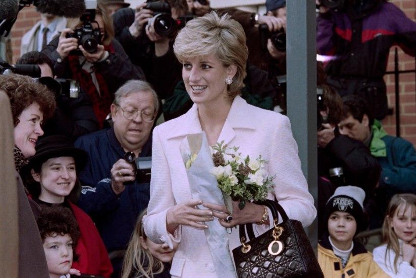 Skandaalne raamat printsess Diana armukesest rikkus kirjaniku elu