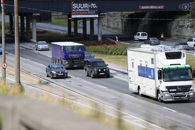 FOTOD | Lasnamäe autojuhid on Nolani peale marus