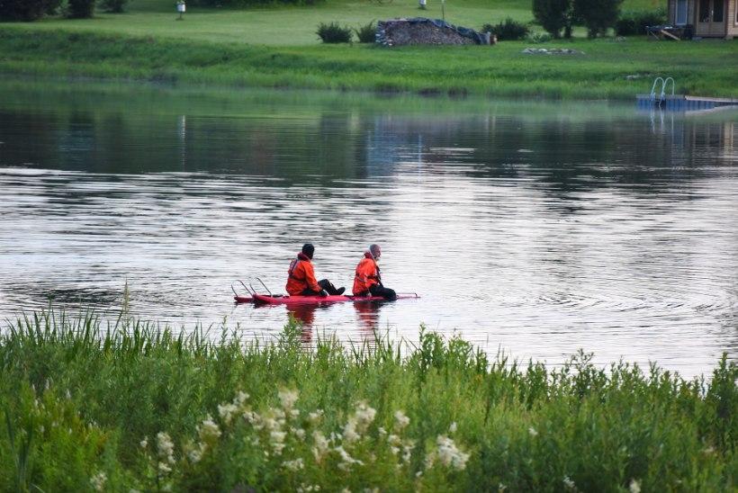 FOTOD JA VIDEO | Viljandimaa järve uppus purjus peaga ujuma läinud mees