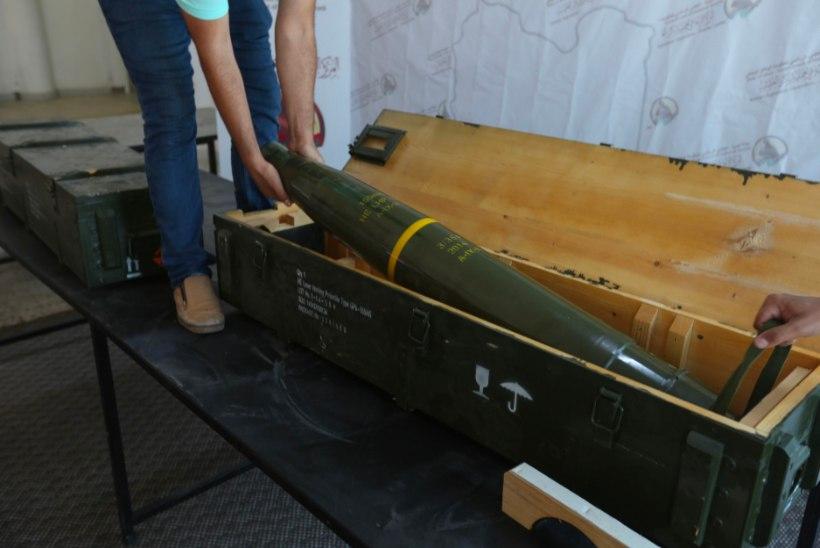 KUST NEED SIIA SAID? Sõdurid leidsid Liibüa mässuliste baasist Prantsuse sõjaväe raketid