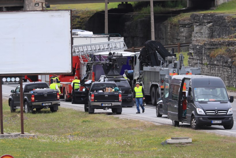 GALERII | Hollywoodi staarid ja vinged masinad ehk Nolani filmivõtted Laagna teel on täies hoos!