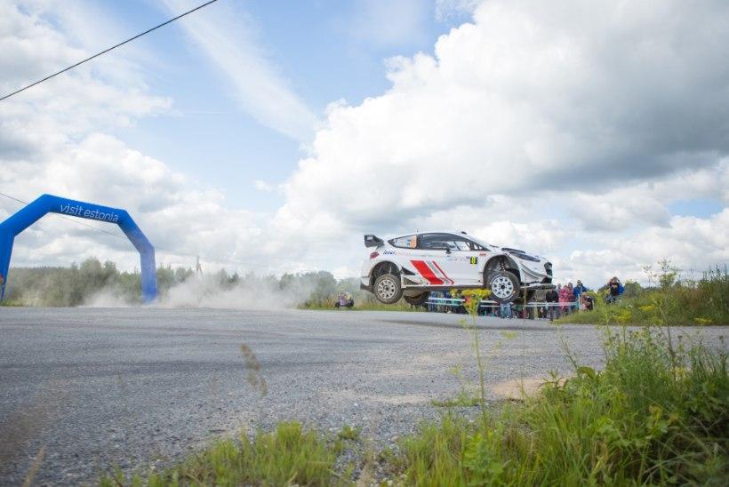 GALERII   Rallipidu algas! Vaata, millise masinaga kihutab Markko Märtin ning kuidas lendas testikatsel Ott Tänak