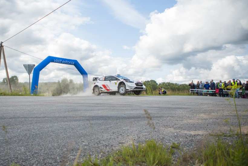 GALERII | Rallipidu algas! Vaata, millise masinaga kihutab Markko Märtin ning kuidas lendas testikatsel Ott Tänak