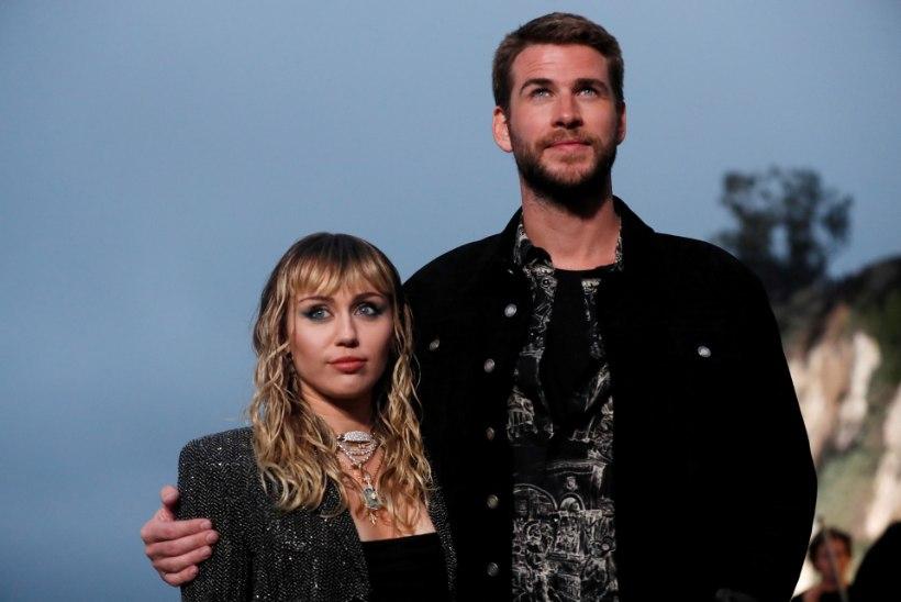 Mehega abielus Miley Cyrusele meeldivad ikka veel naised