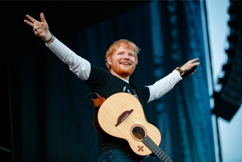 GALERII JA VIDEO | Ed Sheeran enne enda tuntuima loo esitamist: kui sa ei tea neid laulusõnu, oled valel kontserdil