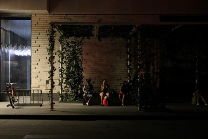 FOTOD | Pilkases pimeduses: New Yorki tabas voolukatkestus