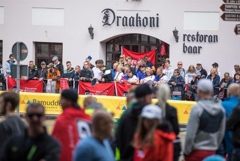 GALERII | Suur rallipidu lõppes Tartu tänavatel kihutamisega