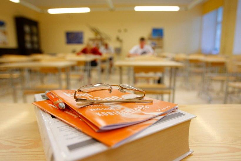 PEDAGOOGIPÕUD: koolijuhid peavad õpetaja leidmiseks skeemitama