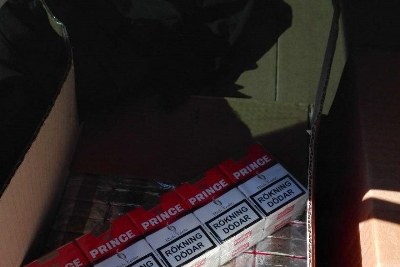 FOTOD | Lätist salasigarette toonud mees jäi autost ilma