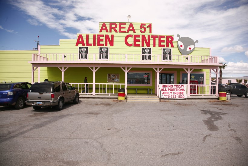 KOSMOSETULNUKATE JAHIL: USA õhujõud hoiatavad Area 51 ründajaid