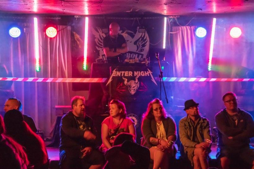 FOTOD | Metallica fännid tegid kolmapäeva õhtul Tartus ja Tallinnas kontserdiks sooja