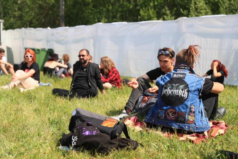 ÕL VIDEO JA FOTOD | Metallica fännid on värava ees ootel juba kuuest hommikul