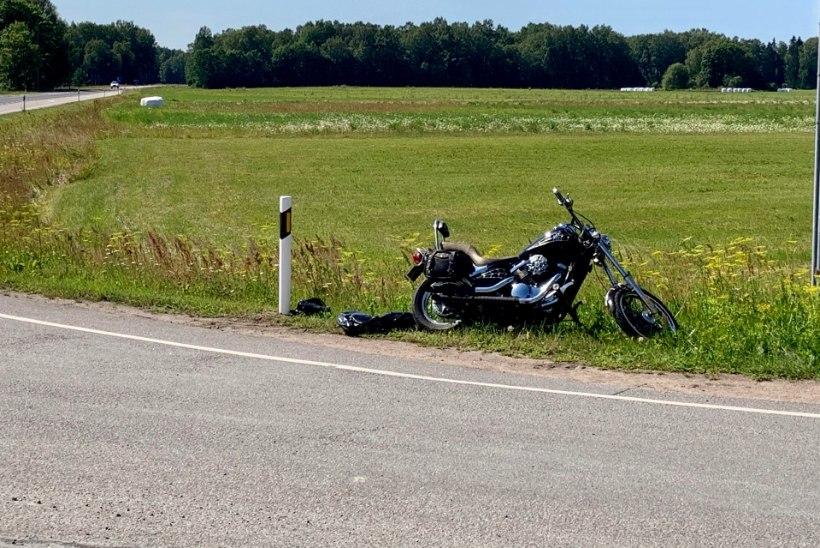 FOTOD | Saaremaal juhtunud õnnetuses sai raskelt vigastada mootorrattur