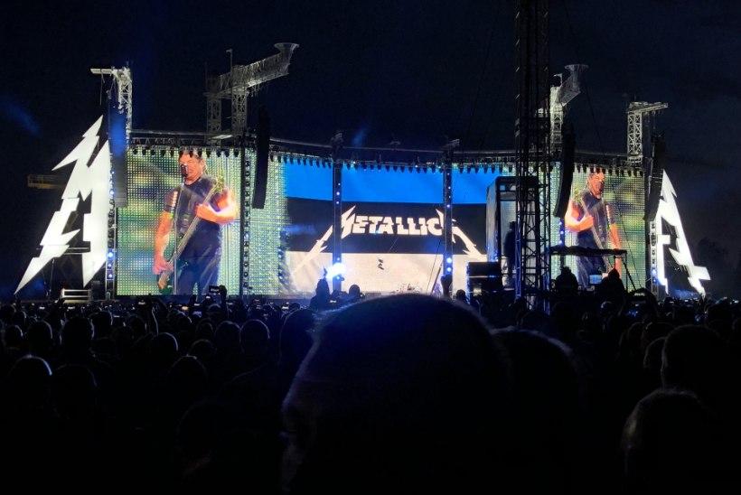 Metallica laulis koos rahvaga ja lõpetuseks lasi taevasse võimsa tulevärgi