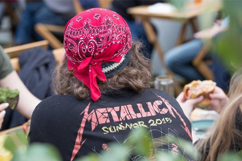 Metallica kontserdikülastaja: platsilt lahkudes hakkas purgimeres silma ka kasutatud preservatiiv