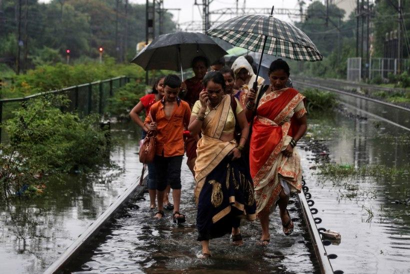 VIDEO   Kümnendi suurimad vihmasajud tekitavad Indias kaost, 18 inimest on hukkunud