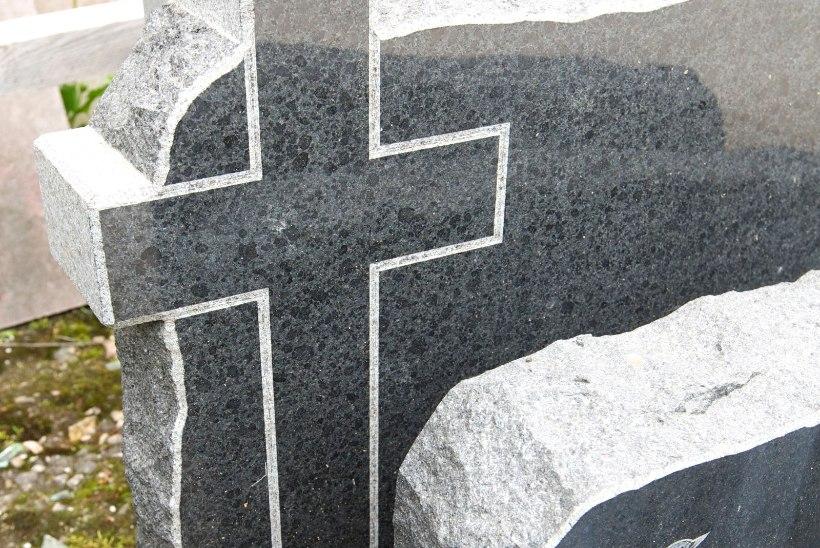 Siseministeerium | Surmaga seotud asjaajamine muutub paberivabaks
