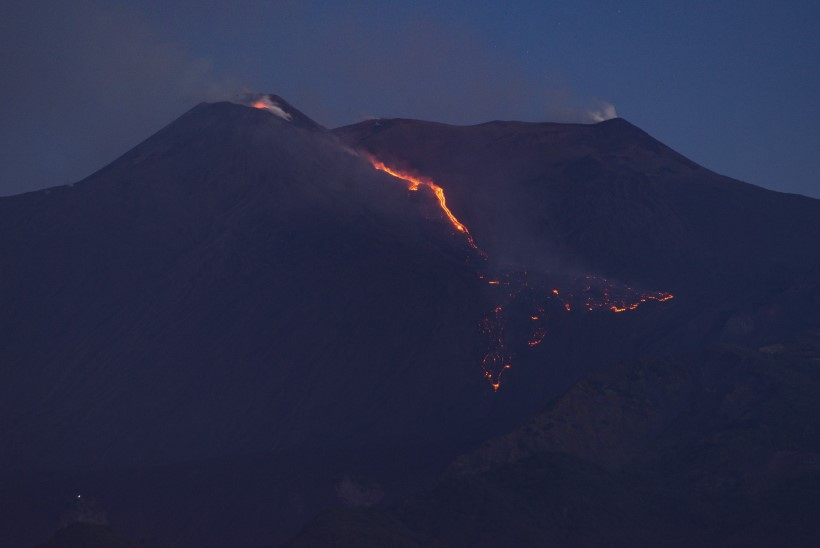 Etna vulkaan hakkas uuesti purskama