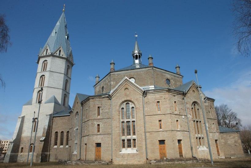 Pühakoda hädas: Narva Aleksandri kiriku kuppelsaal vajab rahasüsti