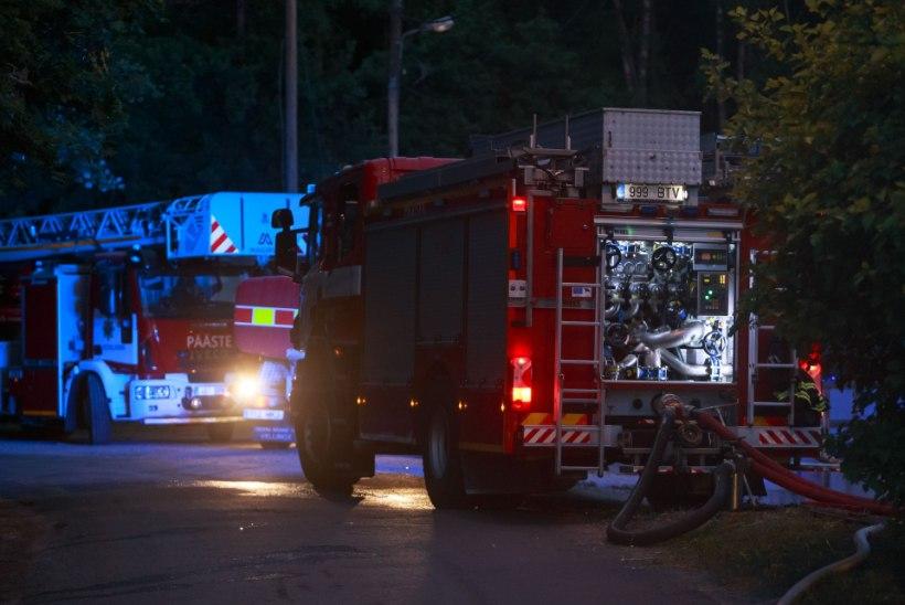 Lihulas hukkus elumaja põlengus mees