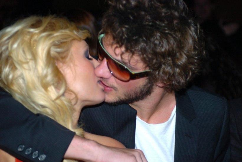 Abramovitši eksnaine kihlus Paris Hiltoni ekskallimaga