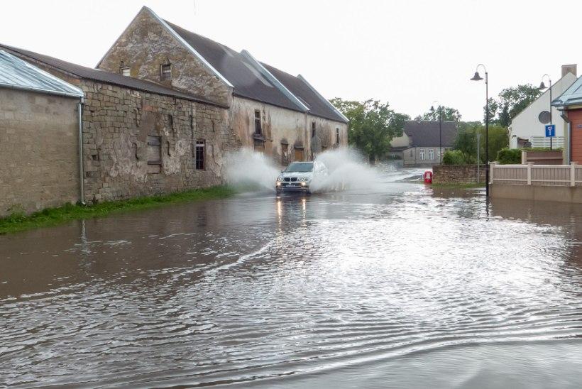 Ametnik Kuressaare üleujutustest: kui tunniga tuleb kolmveerand kuunormi maha, siis üleujutused ongi suuremad