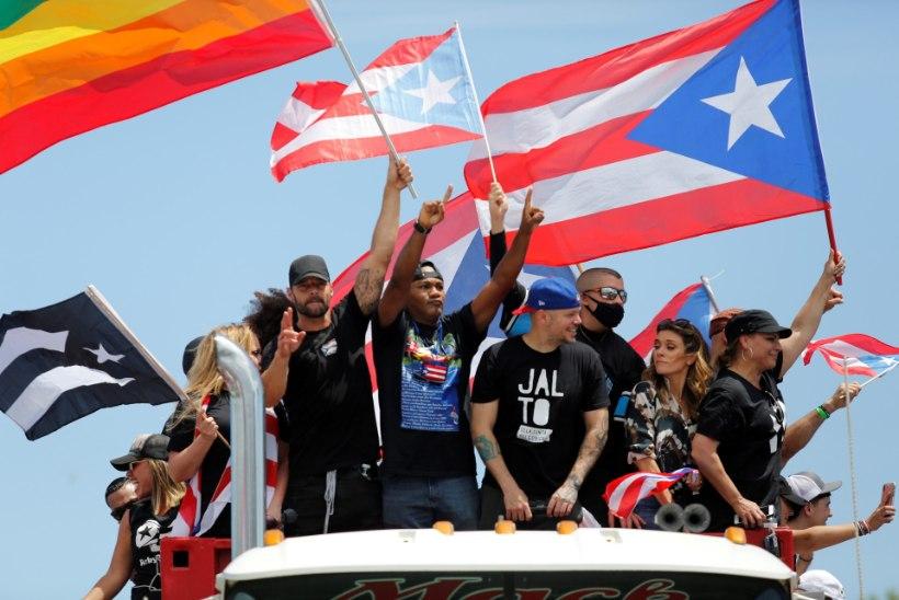 """GALERII   """"MAHA ROSSELLÓ!"""" Puerto Rico juhi solvangud tõid tänavale sajad tuhanded, neile on toeks ka Ricky Martin"""
