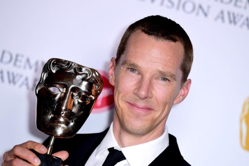 Benedict Cumberbatch vedas oma vanemaid alt