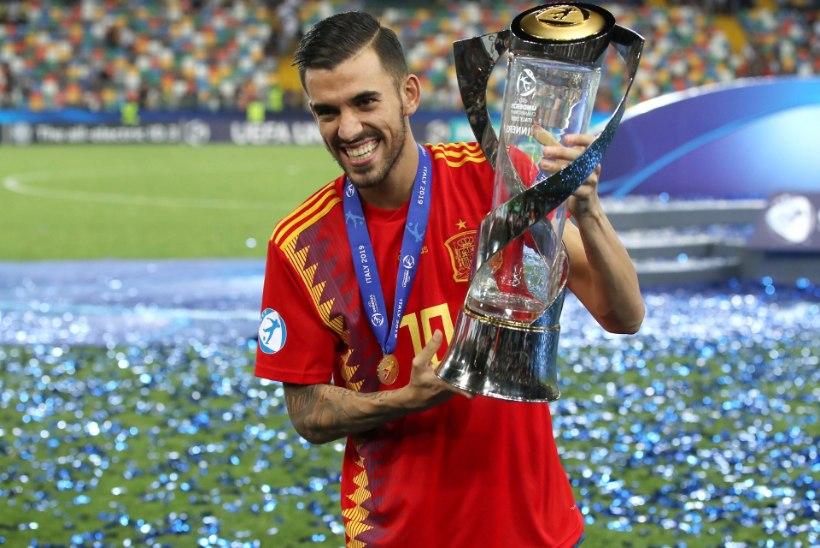 Londoni Arsenal tahab ridu täiendada skandaalse hispaanlasega, kes võrdles Iker Casillase meheau mündiga