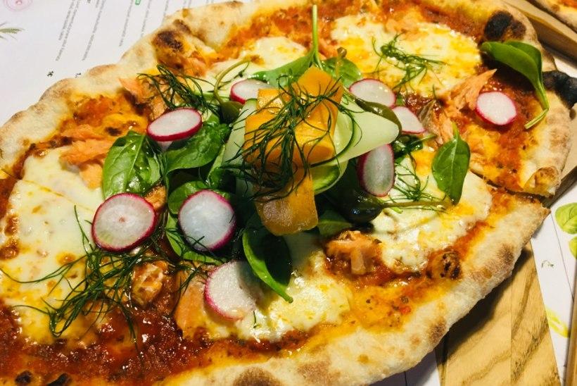 Maasikad, kurk, lõhe ja marineeritud porgand pitsa peal? Hiljuti avatud Pitsaklubi üllatab külalisi!