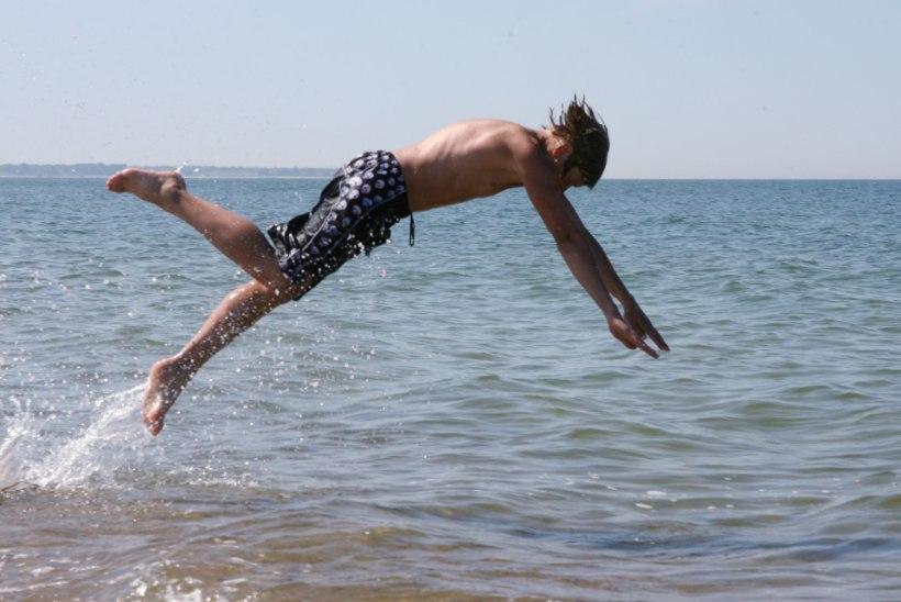 Soojad ilmad meelitavad ujuma: mida peaksid suplema minnes kindlasti silmas pidama?