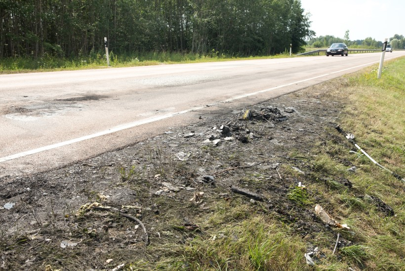 33 reisijaga buss lahvatas põlema: käis neli pauku, tossu oli näha kilomeetrite taha