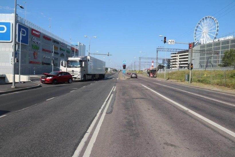 FOTO | Politsei otsib liiklusõnnetuse pealtnägijaid