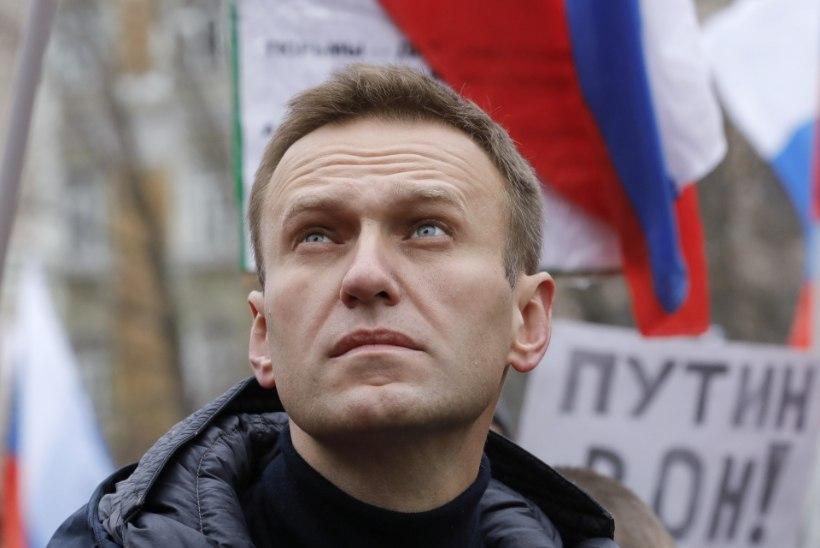 VIDEO | Vene opositsionäär Navalnõi toimetati arestimajast haiglasse, kuid tunnistati juba järgmisel päeval terveks