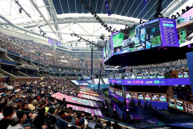 VIDEO | VILEKOOR! Nördinud publik nahutas võistlejaid, kes lubati Fortnite World Cupile hoolimata pettusest
