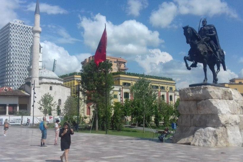 OMA SILMAGA: tundmatu Albaania areneb kiiresti