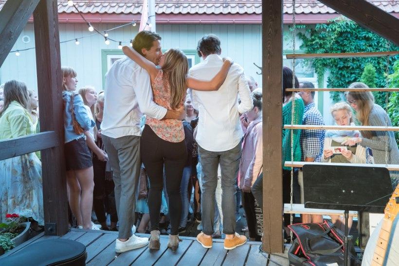 JUULI PILDIS | Siirad emotsioonid laulu- ja tantsupeolt, meeletud kontserdid ning Victor Crone fännimusi!