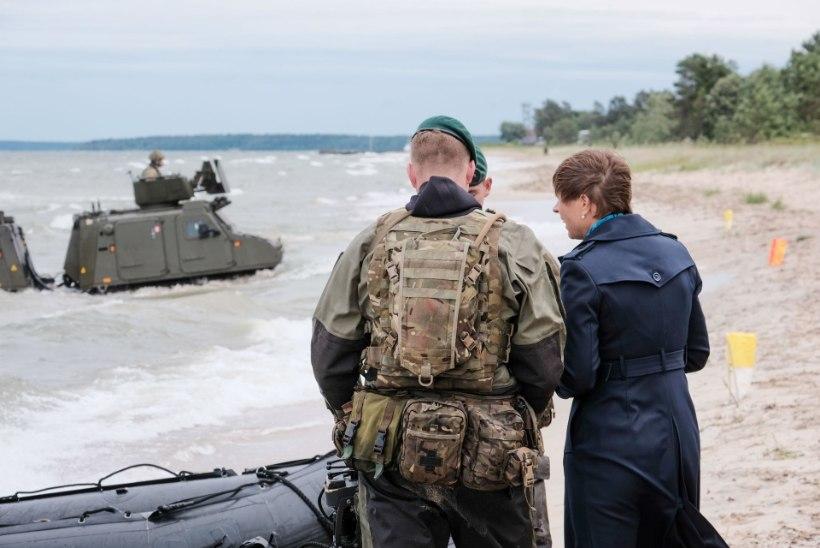 FOTOD | President Kaljulaid väisas liitlasvägede õppust Salmistu rannas